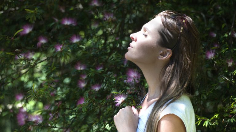 Top Breathing Exercises for Singers – Not as Hard as You Think!